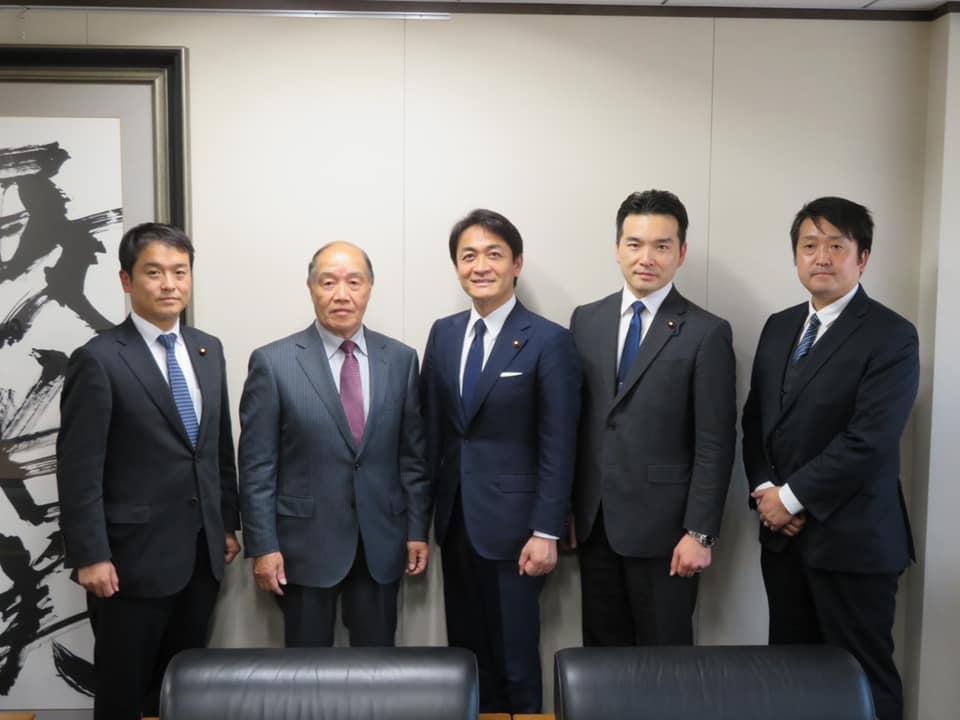 玉木雄一郎代表と平野博文幹事長へ地方選挙を報告しました