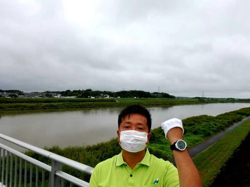 利根町の栄橋の上から早朝の街頭活動を実施しました。