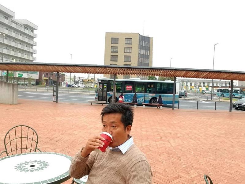 今朝は牛久駅にて駅頭活動を実施しました。