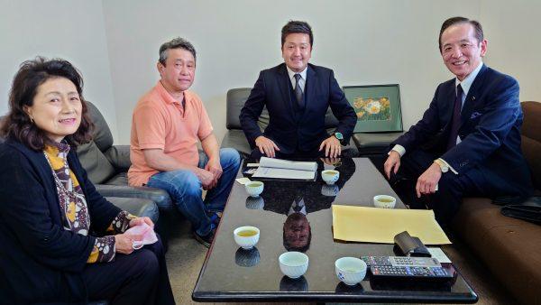 中村喜四郎代議士とJRA美浦トレーニングセンターを訪問