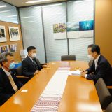 山本豊河内町議会議員と共に平野博文選対委員長を訪問